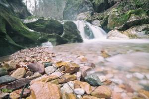Cascada de pe Cheile Jgheabului